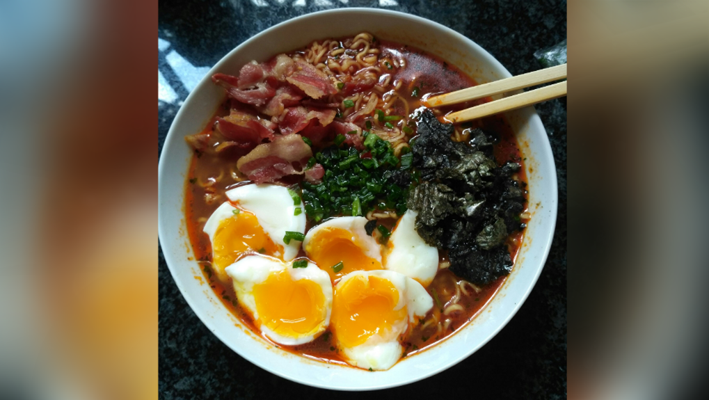Instant Egg And Bacon Ramen
